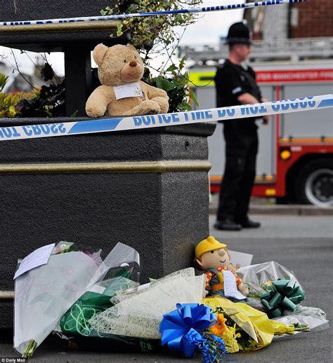 House Builder Online Oldham Gas Explosion Child Killed In Blast That Destroys