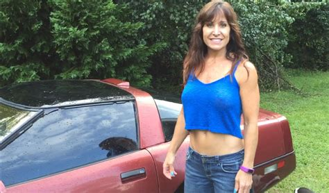 Nackt Auto Waschen by Farm Girl Puts Seafoam In A Corvette And Revving How To