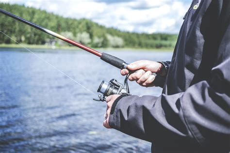 pictures of fishing 250 engaging fishing photos 183 pexels 183 free stock photos