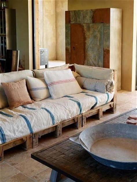 Pallet Cushion Ideas by 17 Best Ideas About Pallet Cushions On