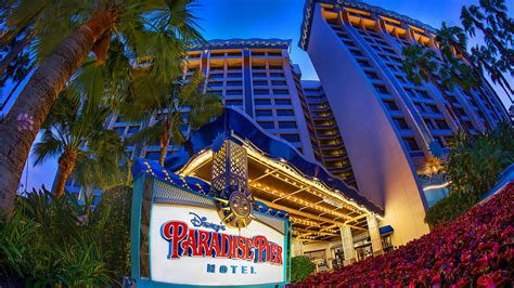 themed resort names disney s paradise pier hotel on disneyland 174 resort