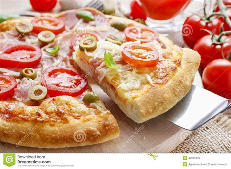 cuisine pizza cuisine pizza stock photo image 42034349