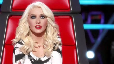 the voice contestant with long hari more pics of christina aguilera long straight cut 3 of 5