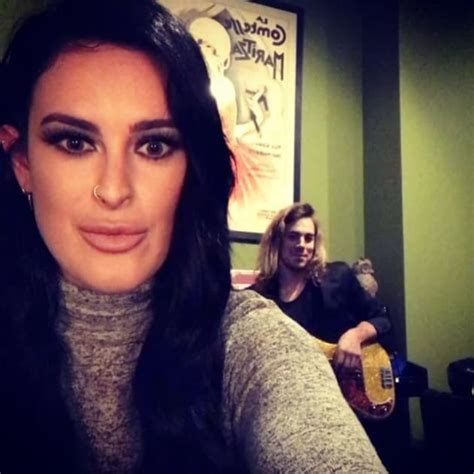 rumer willis reveals shaved hairstyle days after sister tallulah rumer willis plastic surgery out of control the