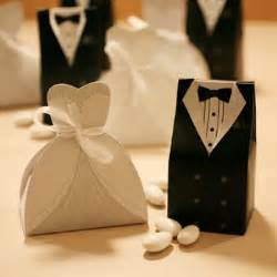 Wedding Favors And Groom with choosing and groom wedding favors