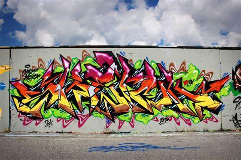 graffiti colors color graffiti paint psychedelic wall rue tag