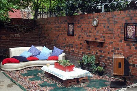Diy Outdoor Living Room Upcycled And Recycled Into Outdoor Living Room Gardens
