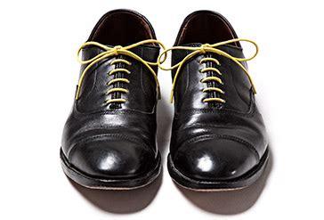 Lu Sepatu gaya mengikat tali sepatu biar sneaker lu makin keren