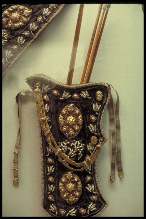 how to create a simple 18th century pouf american duchess ottoman embroidered quiver 18th century topkapi sarayi
