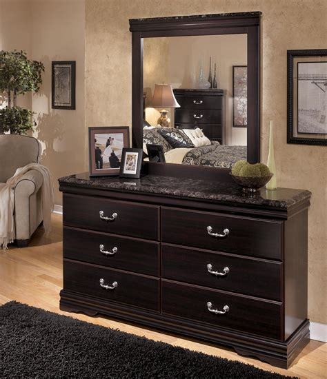 faux marble bedroom set signature design by ashley esmarelda 6 drawer dresser with