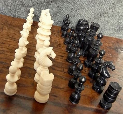 Handmade Chess Pieces - handmade ivory chess pieces in decorated wooden box