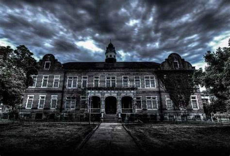 scariest haunted house in the us its one of the nations scariest haunted houses and its really haunted