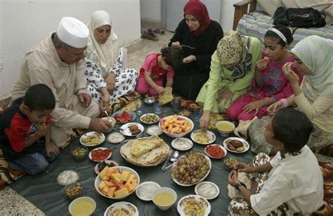 moody  angry husband  ramadan islamicanswers