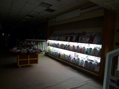 walden bookstore tn 2009 december at columbia closings