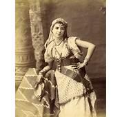 Femme Dun Village Dalgerie 1850  Mauresques Pinterest