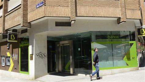 casas del banco bankia bankia ha puesto en venta 2 300 inmuebles con descuentos
