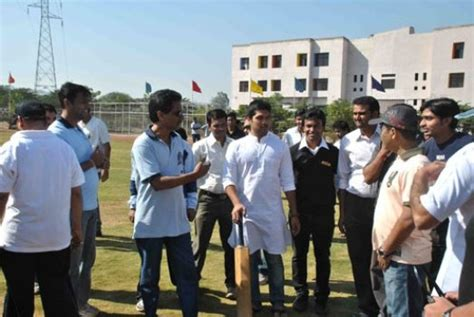 Shivaji Mba Fees by Fees Structure And Courses Of Dy Patil College Of