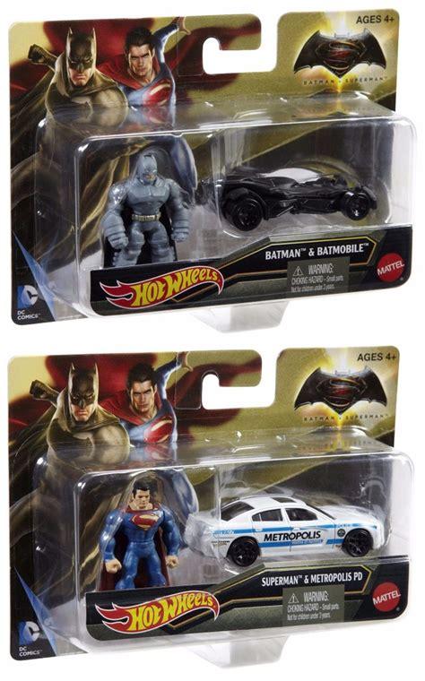 Hot Wheels Batman Vs Superman   Batmobile & Metropolis