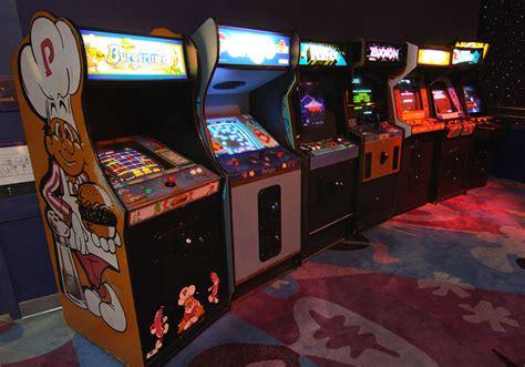 amusement arcades  tokyo japan travel guides