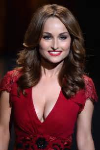 Giada de laurentiis at go red for women the heart truth fashion show