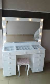 Make Up Dresser by Best 25 Makeup Vanity Desk Ideas On Makeup