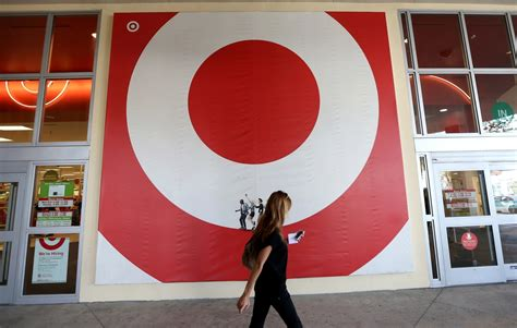 Target Stolen Gift Card - business news 20 dec 2013 15 minute news know the news
