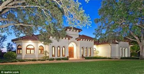 House Plans For Mansions by Bill Gates Buys 8 7 Million Florida Mansion To Help