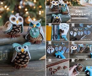 these felt and pine cone owl ornaments are just superb