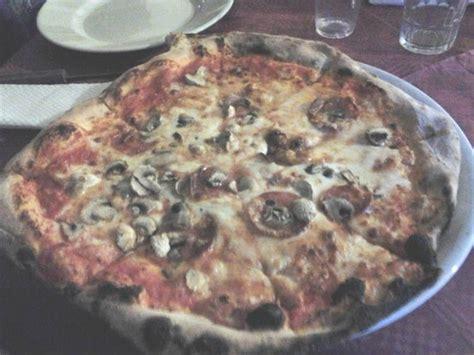 pizzeria gemelli diversi foggia la pizza foto di i gemelli diversi foggia tripadvisor