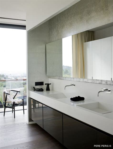 trendy bathroom mirrors trendy and stylish bathroom mirrors decozilla