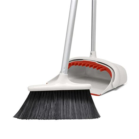 Large Sweep Set With Extendable Broom Oxo
