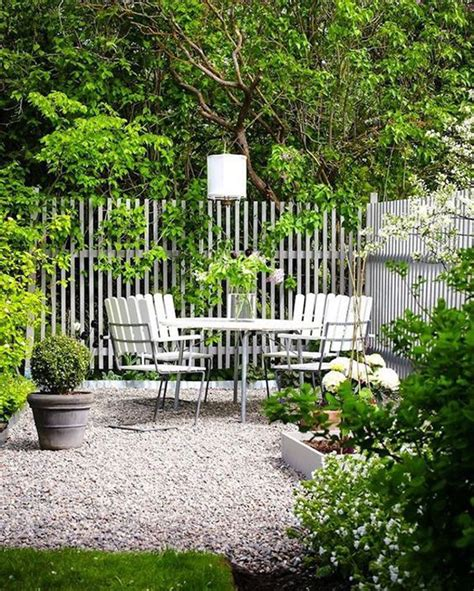 unique garden fence ideas  plants   privacy