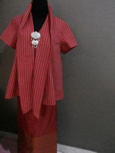 Blouse Batik Piringan Tenun Lurik blouse models traditional fabric and blouse dress on
