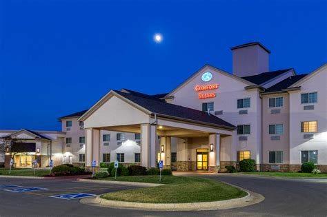 comfort inn burlington ia comfort suites in burlington ia 319 753 1
