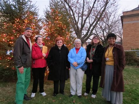 at richmond hill library s christmas tree lighting