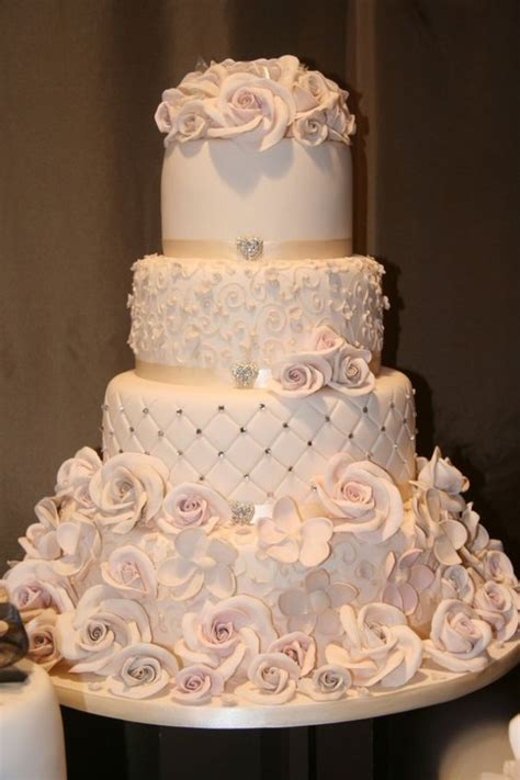 elegant vintage buttercream wedding cakes roses