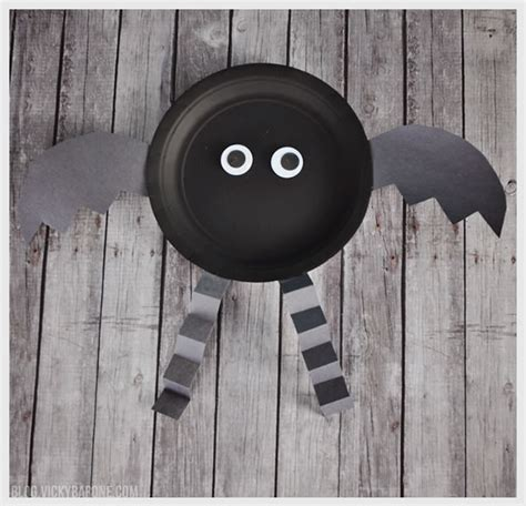 Paper Plate Bat Craft - paper plate characters barone