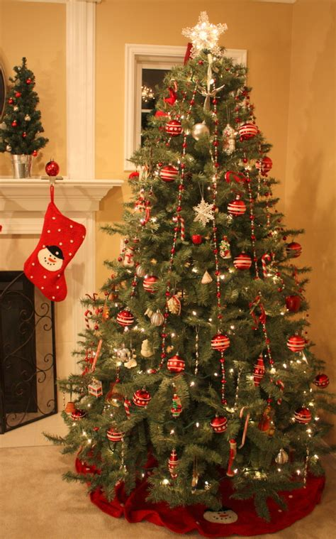 how can i decorate my home decorating my house for the holidays hooked on houses