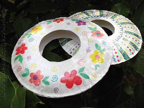 Craft Using Paper Plates - paper plate frisbees crafts by amanda