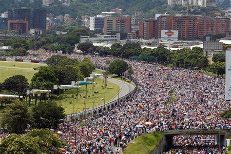 imagenes motivadoras de venezuela multitudinaria manifestaci 243 n en caracas contra maduro