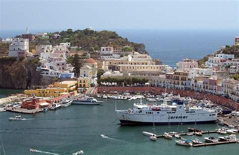 alberghi ponza porto come ci vedono l isola di ponza un oasi di bellezza ed