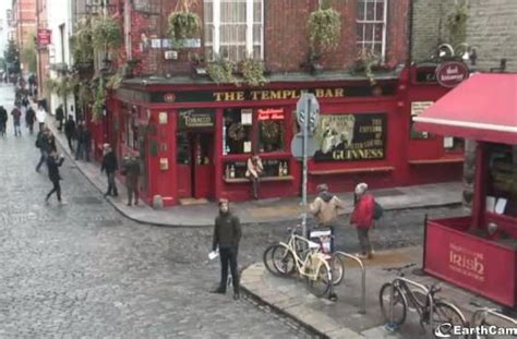 dublin live cam live dublin st patricks day festival webcam temple bar ireland