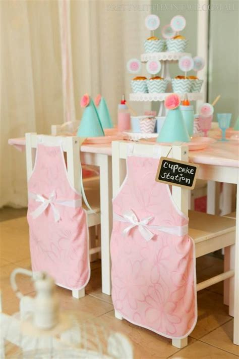 cupcake themed decorations best 25 cupcake decorating ideas on