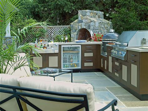 the benefits of a divine outdoor kitchen for your home 4 benefits of installing an outdoor kitchen