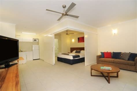 cairns 2 bedroom apartments cairns holiday apartments cairns hotel motel