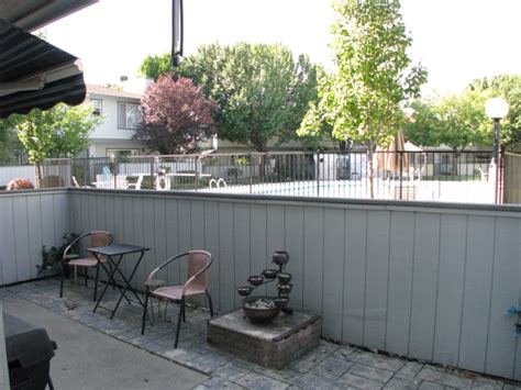 Extendable Patio Shade Featured Home 200 Ridgetop Dr 24 Redding Ca View