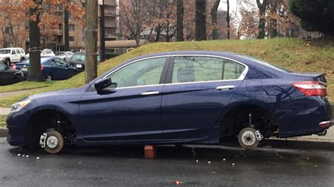 thieves    tires  newark leaving cars