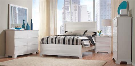coaster bedroom set coaster karolina bedroom set white 203461 bed set at
