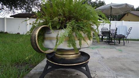 imagenes de jardines reciclados macetero taza para jard 237 n con neum 225 ticos reciclados