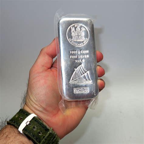 1 Kilo Silver Bar by Fiji Argor Heraeus 10 Dollars 999 Silver Bar 1 Kg 1000